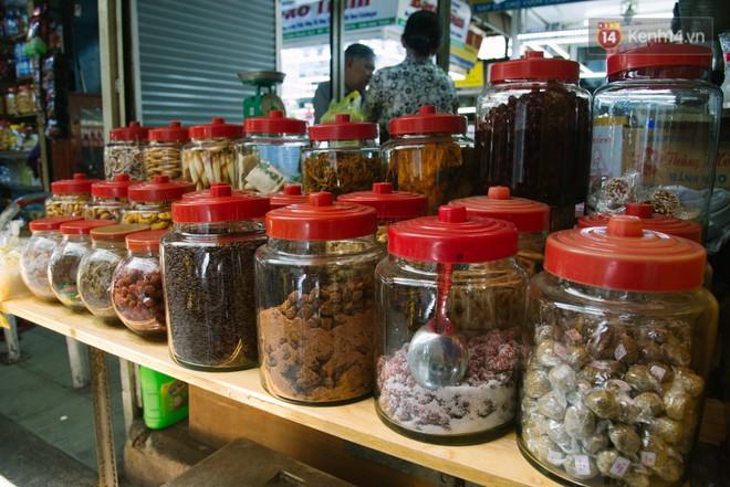 Vì sao Sài Gòn có rất nhiều chợ mang tên cây cỏ kỳ lạ? - Ảnh 9.