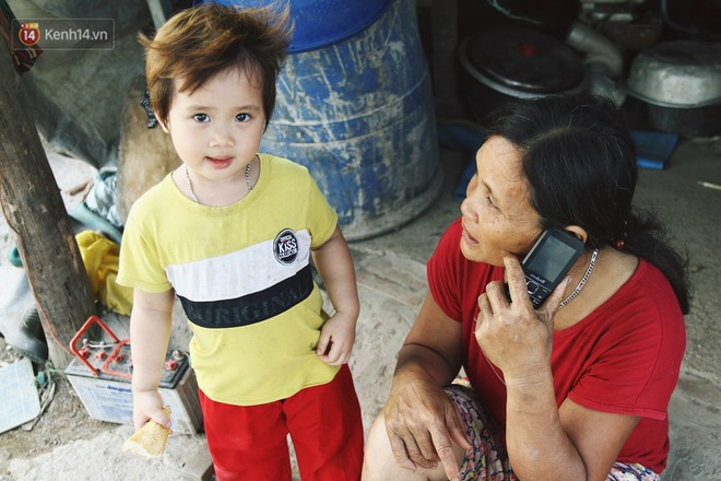 Người mẹ nghèo sinh 14 đứa con ở Hà Nội: Cố gắng tích góp để lỡ nằm xuống còn có cỗ quan tài, chứ chẳng phiền các con - ảnh 8