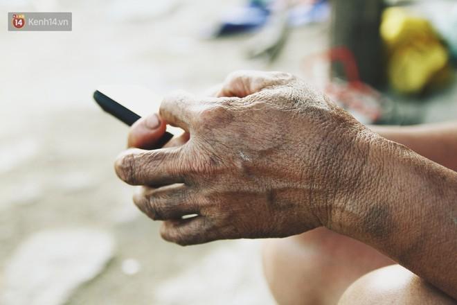 Người mẹ nghèo sinh 14 đứa con ở Hà Nội: Cố gắng tích góp để lỡ nằm xuống còn có cỗ quan tài, chứ chẳng phiền các con - ảnh 17