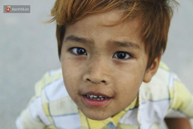 Người mẹ nghèo sinh 14 đứa con ở Hà Nội: Cố gắng tích góp để lỡ nằm xuống còn có cỗ quan tài, chứ chẳng phiền các con - ảnh 16
