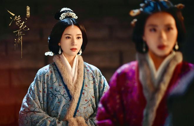 Hậu scandal ngoại tình, Bạch Bách Hà - Đổng Khiết chật vật trở lại màn ảnh nhỏ - ảnh 8