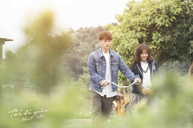 Isaac hoá thân ông chú cô đơn, hé lộ mối tình đũa lệch trong teaser MV mới - Ảnh 4.