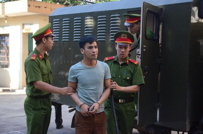 Xét xử bác sĩ Hoàng Công Lương trong vụ 8 bệnh nhân chạy thận tử vong - ảnh 2