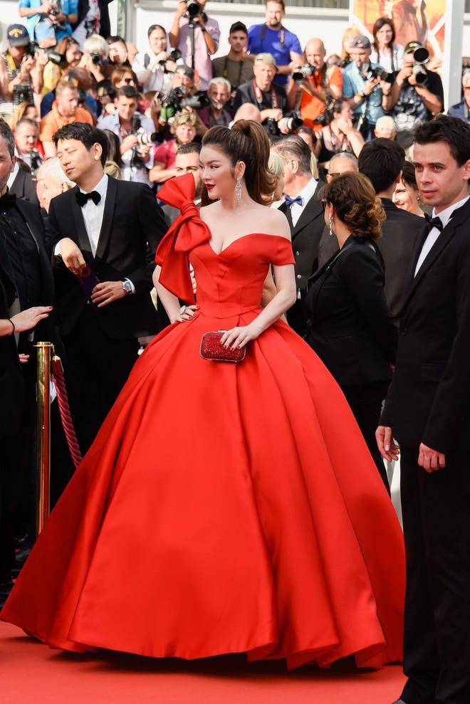 Sau 2 ngày vắng mặt, Lý Nhã Kỳ diện váy dài quét đất trở lại ấn tượng trên thảm đỏ Cannes - ảnh 4
