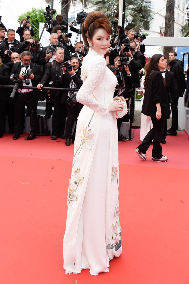 Sau 2 ngày vắng mặt, Lý Nhã Kỳ diện váy dài quét đất trở lại ấn tượng trên thảm đỏ Cannes - ảnh 3