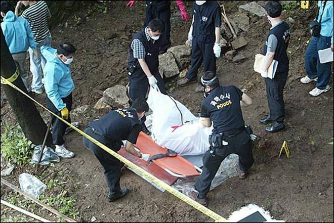Tên sát nhân hàng loạt man rợ nhất Hàn Quốc: Lấy cảm hứng từ kẻ thủ ác khác, trong vòng 1 năm giết 19 mạng người - ảnh 5