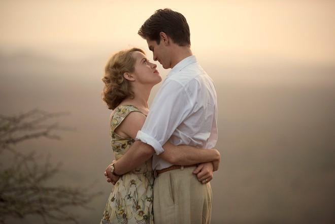 """Điểm tên 5 câu chuyện tình yêu """"đặc biệt"""" có sức hút nhất màn ảnh thế giới - ảnh 10"""