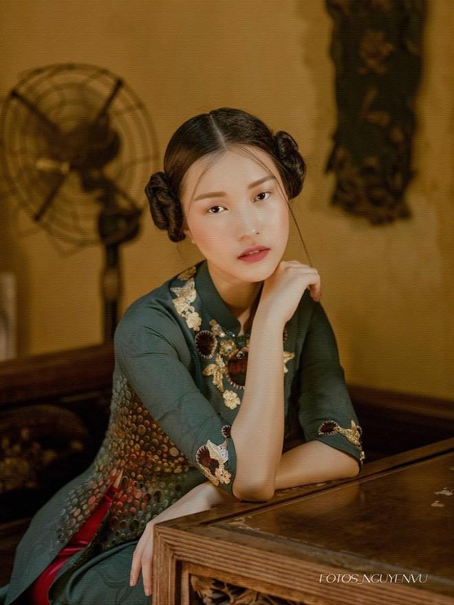 Không hổ danh là Nàng thơ xứ Huế, Ngọc Trân lại khiến bao người ngẩn ngơ vì vẻ đẹp trong sáng, dịu dàng - Ảnh 15.