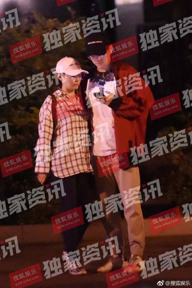 Họa mi Trung Quốc lộ ảnh ngoại tình sau 1 năm ngày cưới, tiểu tam trớ trêu thay lại là phù rể - ảnh 1