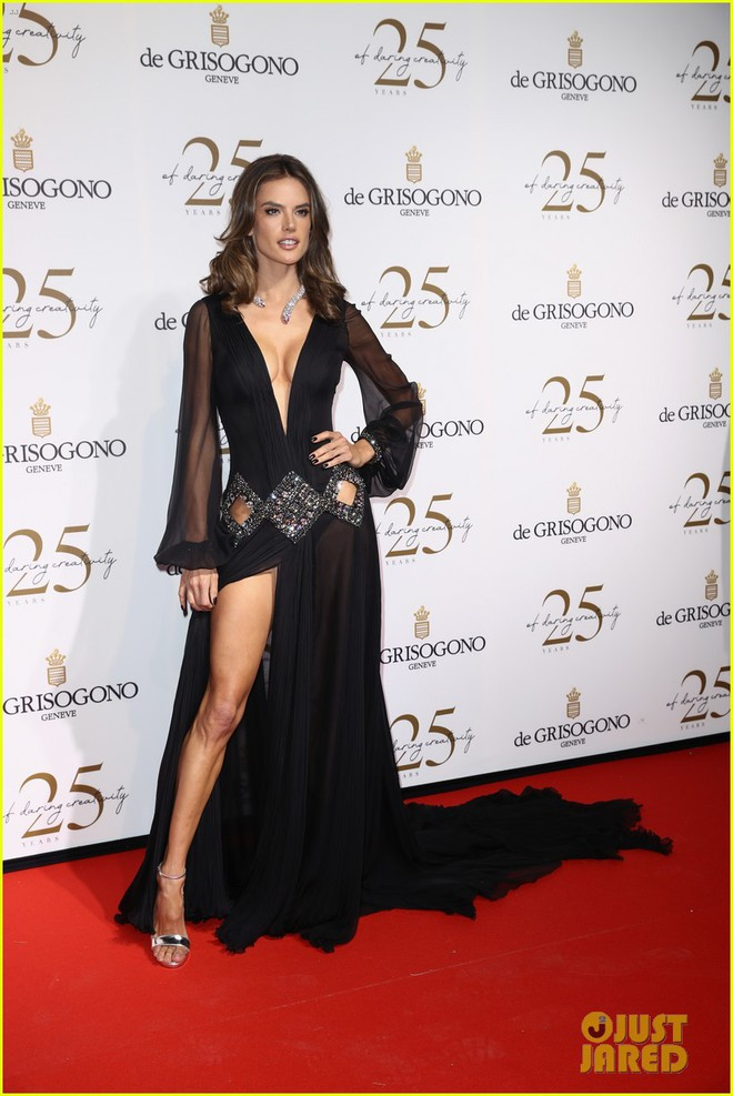Dàn mỹ nhân cùng khoe body bốc lửa tại Cannes, đả nữ Fast & Furious suýt lộ cả vòng 1 trên thảm đỏ - ảnh 3