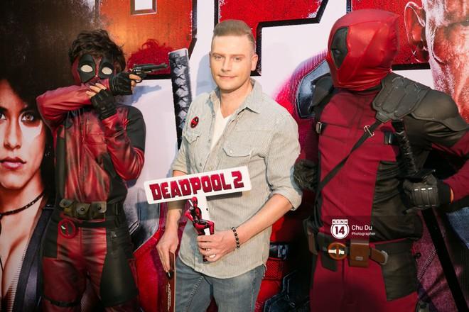 Fan Việt cười sảng sau khi xem bom tấn hài bựa Deadpool 2 - ảnh 13