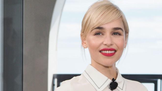 Mẹ Rồng Emilia Clarke nổi sùng khi các chị em trên phim được khen là mạnh mẽ - ảnh 3