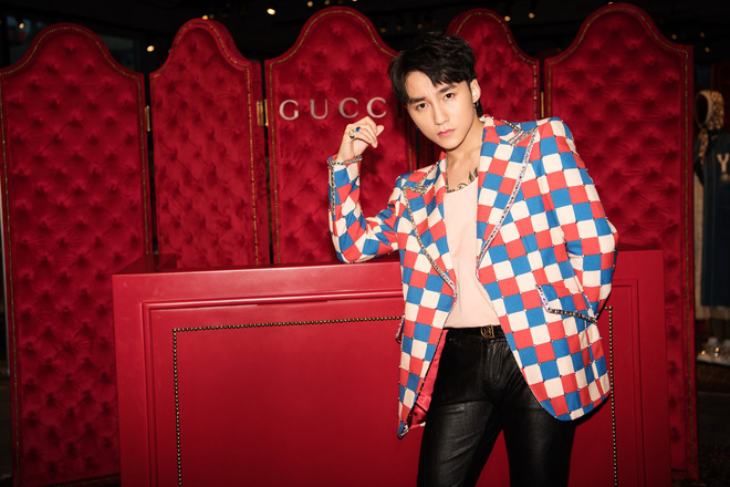 Chưa ấm chỗ với MV mới, Sơn Tùng đã vi vu qua tận Hong Kong để dự triển lãm của Gucci - Ảnh 6.