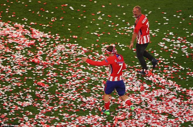 Griezmann chói sáng, Atletico lần thứ ba vô địch Europa League - Ảnh 16.