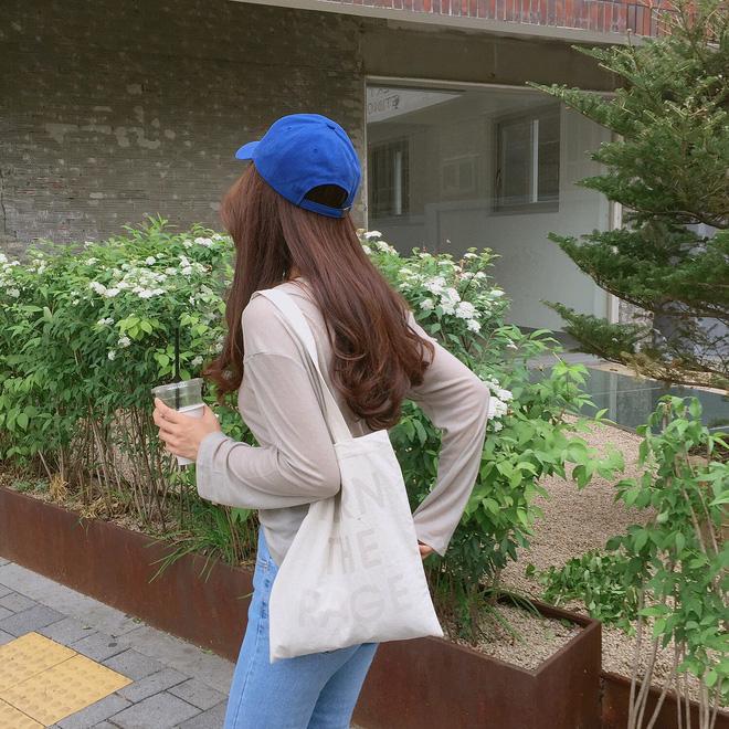 4 kiểu mũ không chỉ để che nắng mà còn để diện cùng đồ gì cũng đẹp khỏi chê hè này - ảnh 22