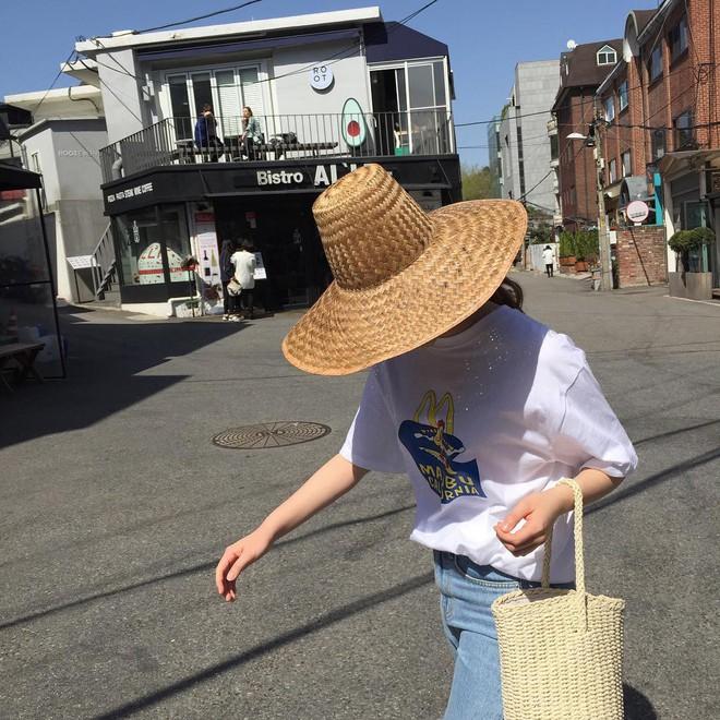 4 kiểu mũ không chỉ để che nắng mà còn để diện cùng đồ gì cũng đẹp khỏi chê hè này - ảnh 7