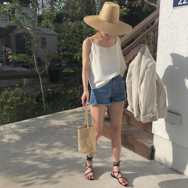 4 kiểu mũ không chỉ để che nắng mà còn để diện cùng đồ gì cũng đẹp khỏi chê hè này - ảnh 11