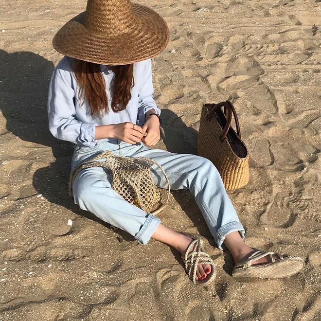 4 kiểu mũ không chỉ để che nắng mà còn để diện cùng đồ gì cũng đẹp khỏi chê hè này - ảnh 10