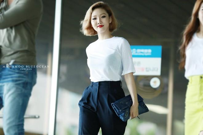 Mặc đồ cực đơn giản, Hwasa (Mamamoo) vẫn đẹp xuất sắc và tỏa ra thần thái sang chảnh hơn người - ảnh 15