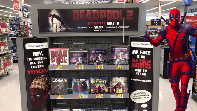 Trà trộn vào siêu thị, thiên hạ đệ nhất lầy Deadpool đồng hoá bìa đĩa cả một khu kệ - ảnh 2
