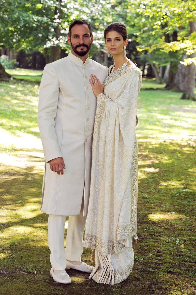 Trước thềm đám cưới của Hoàng tử Harry và Meghan Markle, điểm lại 13 mẫu váy cưới Hoàng gia khiến người người mê mẩn - ảnh 13