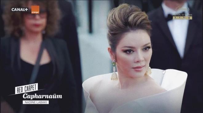 Sau 2 ngày vắng mặt, Lý Nhã Kỳ diện váy dài quét đất trở lại ấn tượng trên thảm đỏ Cannes - ảnh 1