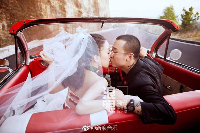 Đối thủ PGone tổ chức đám cưới ngọt ngào với bạn gái lâu năm, ôm bố mẹ vợ khóc nức nở - ảnh 12