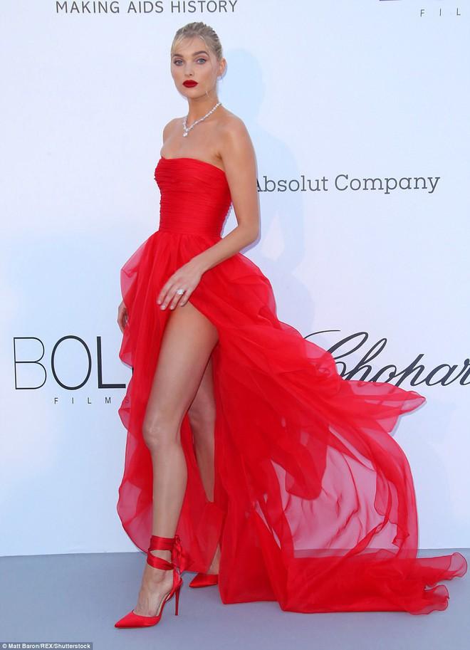 LHP Cannes: Giữa dàn siêu mẫu đẹp nhất thế giới, một mỹ nhân gây chú ý vì vòng 1 nổi gân xanh - ảnh 2