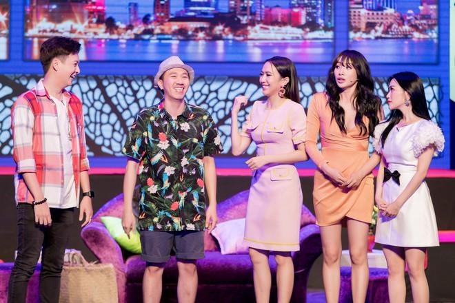 Diệu Nhi cưỡng hôn Đông Nhi ngay đêm liveshow đầu tiên trong sự nghiệp - ảnh 10