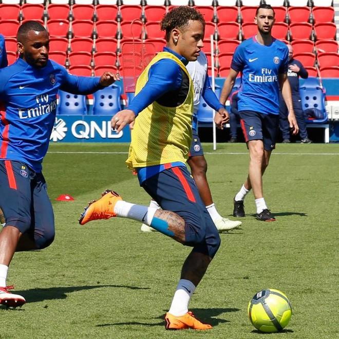 Tin vui cho fan Brazil: Neymar trở lại tập luyện lần đầu sau chấn thương - ảnh 1
