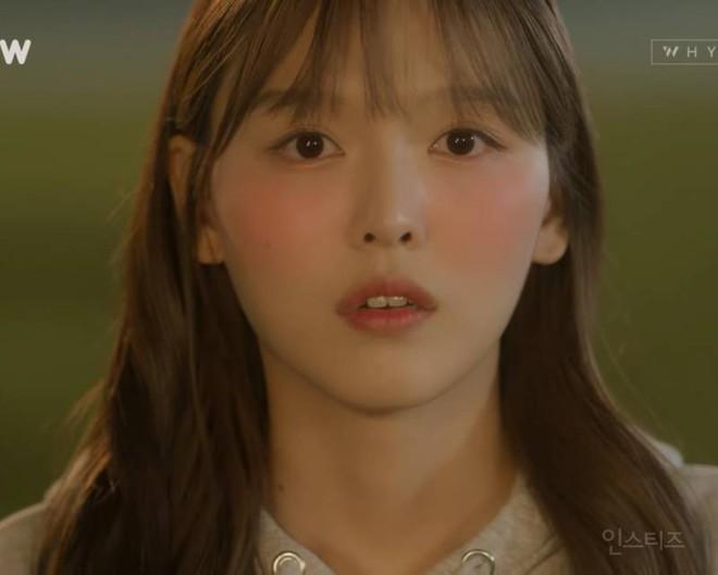 Chị ruột Kim Yoo Jung mới đóng phim đã gây sốt với nhan sắc không kém em gái - ảnh 2
