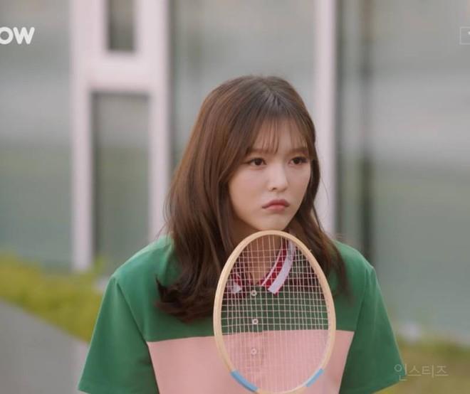 Chị ruột Kim Yoo Jung mới đóng phim đã gây sốt với nhan sắc không kém em gái - ảnh 3