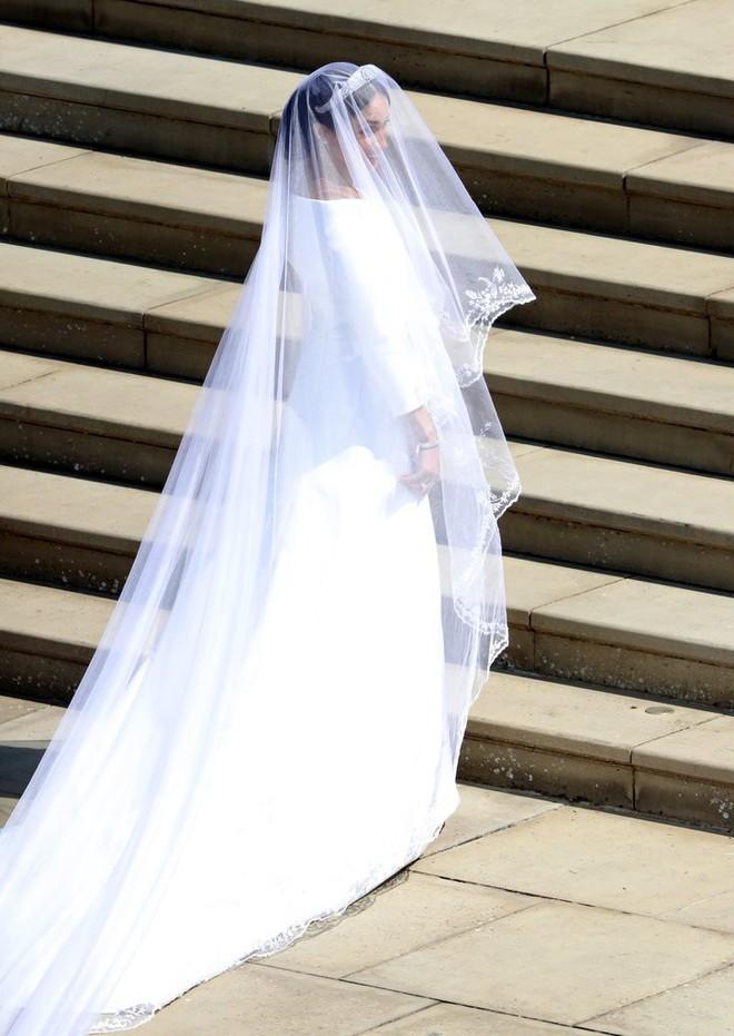 Rần rần trước loạt chi tiết trùng khớp giữa đám cưới Hoàng Gia Anh và hôn lễ thế kỷ của Song Song - ảnh 8