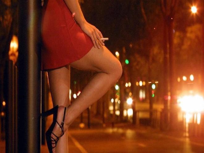 Xuất hiện người mẫu tham gia các cuộc thi sắc đẹp bán dâm - ảnh 1