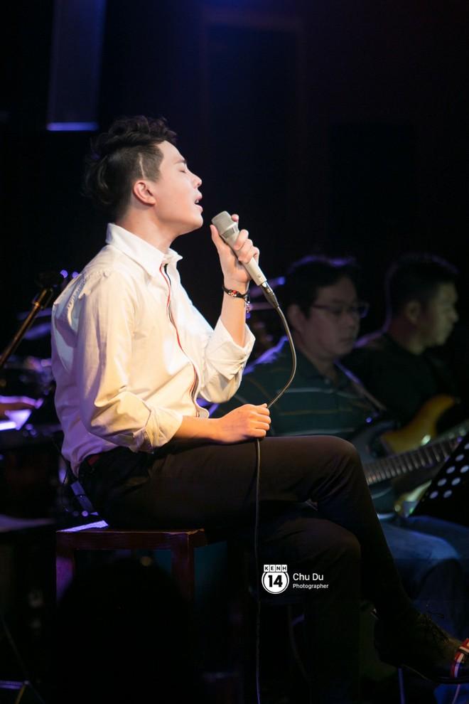 Clip: Trịnh Thăng Bình lần đầu thể hiện bản mashup hai ca khúc Người ấy và Không sao đâu cực nuột - Ảnh 3.