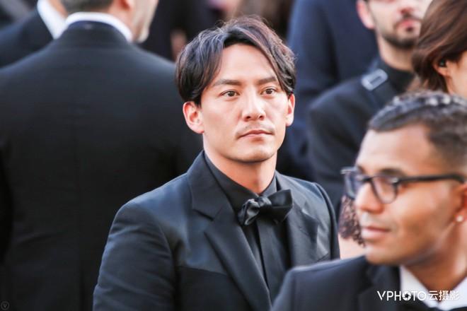 Cannes 2018: Phạm Băng Băng gây thất vọng vì nhuộm xanh thảm đỏ, hở ngực - gây sốc vẫn được tận dụng triệt để - Ảnh 27.