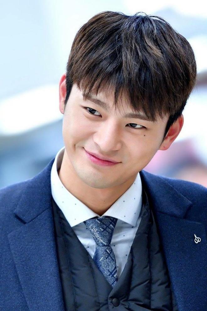 Netizen bình chọn ca sỹ Kpop lấn sân phim ảnh thành công nhất - Ảnh 3.