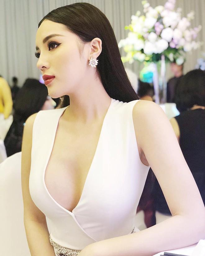 Diện lại một chiếc váy sau gần 2 tháng nhưng để nói Kỳ Duyên kém HHen Niê thì chưa chắc - Ảnh 2.