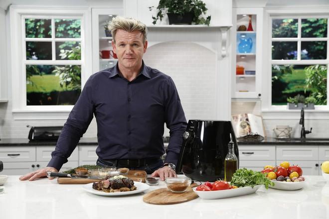Làm thế nào mà một người yêu đồ ăn như đầu bếp Gordon Ramsay lại có thể giảm được hơn 22kg? - Ảnh 2.