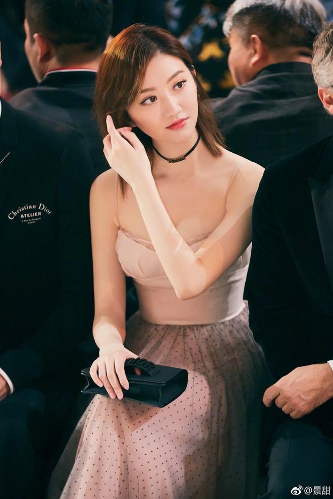 Sunmi - Kiko Mizuhara - Cảnh Điềm cùng đọ sắc trong 1 thiết kế: Ai đẹp lấn lướt ai? - ảnh 6