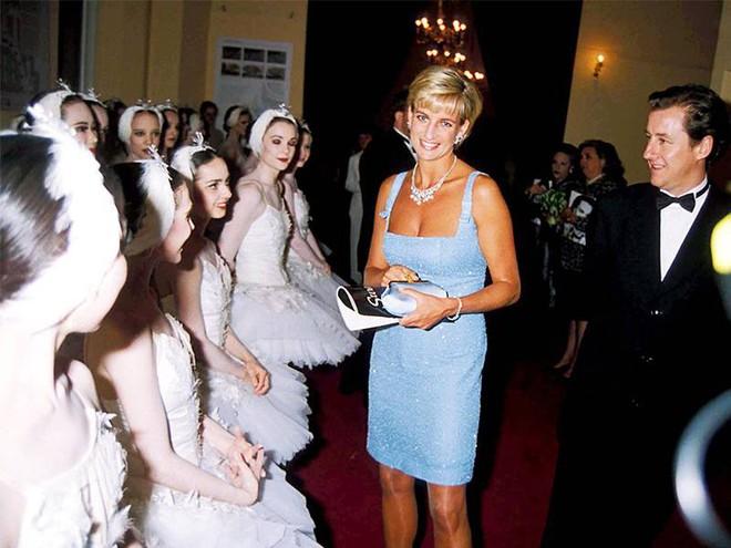 4 hot trends của năm 2018 từng được Công nương Diana tiên đoán từ hàng chục năm trước - Ảnh 2.