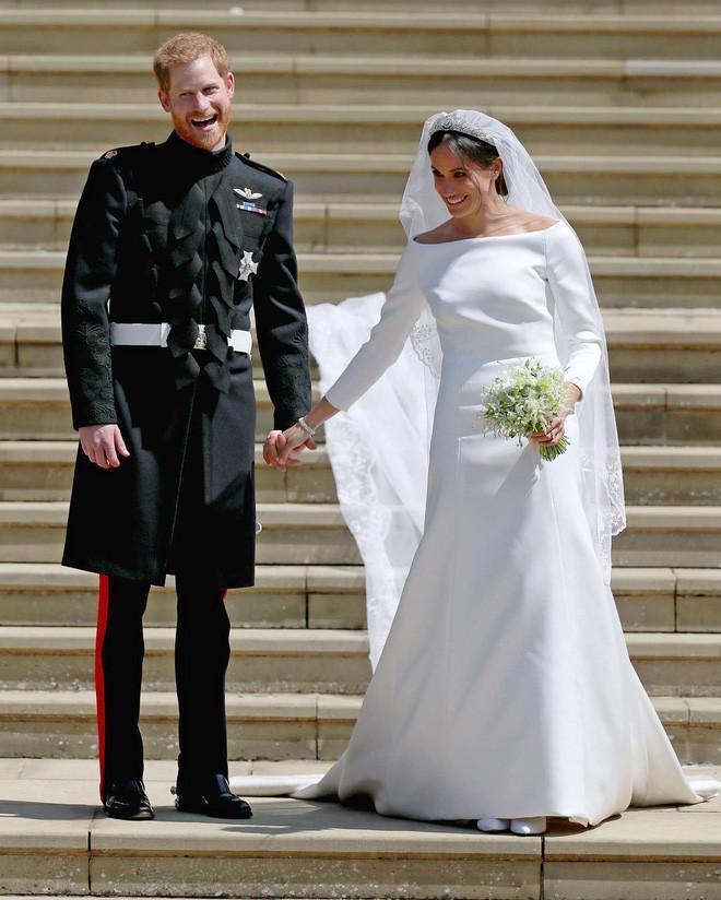 Thường phá vỡ quy tắc Hoàng gia về trang phục, nhưng có điều này Meghan Markle lại chưa bao giờ làm - ảnh 8