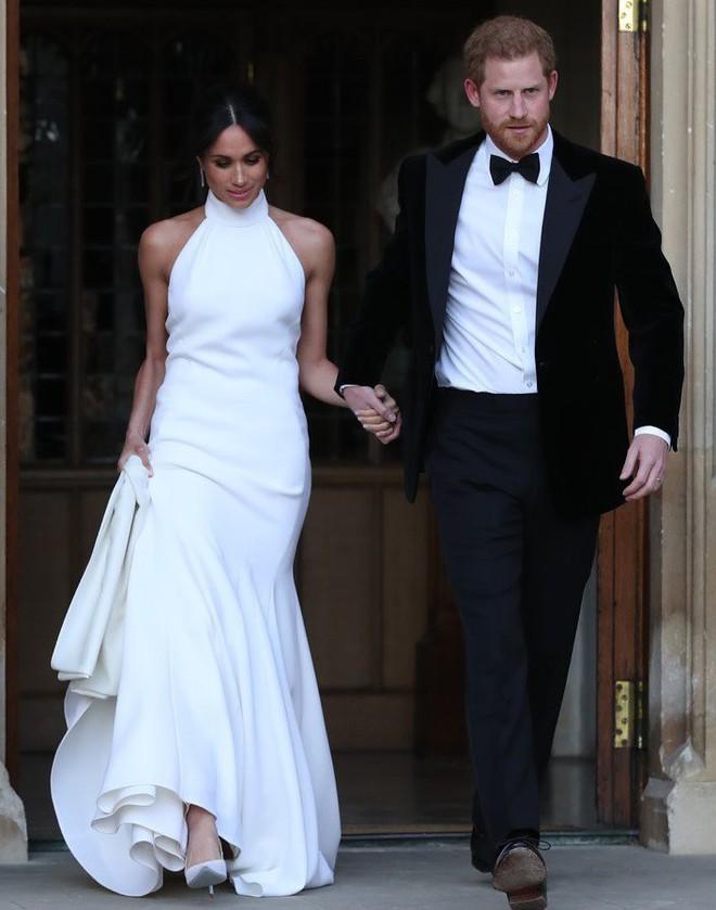 Thường phá vỡ quy tắc Hoàng gia về trang phục, nhưng có điều này Meghan Markle lại chưa bao giờ làm - ảnh 9