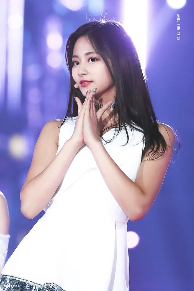 Chùm ảnh: Những công chúa, hoàng tử ngoại quốc của Kpop đẹp rực rỡ trên sân khấu (P.1) - Ảnh 29.