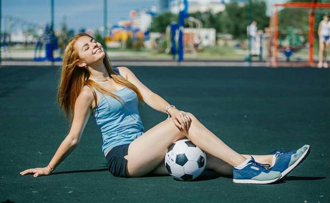 MXH Nga ngập tràn những cô nàng khoe dáng nóng bỏng chào mừng World Cup 2018 - ảnh 3