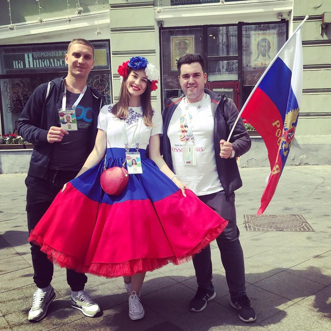 MXH Nga ngập tràn những cô nàng khoe dáng nóng bỏng chào mừng World Cup 2018 - ảnh 10