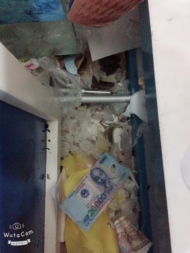 Góc thất thu: Cả cửa hàng lục đục vì liên tục mất tiền, cuối cùng phát hiện ra do chuột tha hết về lót ổ - Ảnh 2.