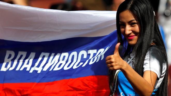 Hoa hậu, siêu mẫu và những cô gái Nga xinh đẹp hút ánh nhìn trong lễ khai mạc World Cup 2018 - ảnh 9