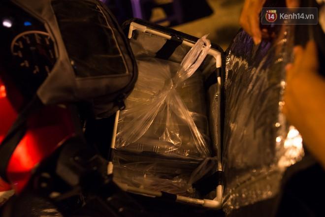 Dịch vụ giao thức ăn đêm ở Sài Gòn tăng cường hoạt động đến gần 3h sáng trong mùa World Cup - ảnh 9