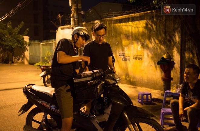 Dịch vụ giao thức ăn đêm ở Sài Gòn tăng cường hoạt động đến gần 3h sáng trong mùa World Cup - ảnh 8